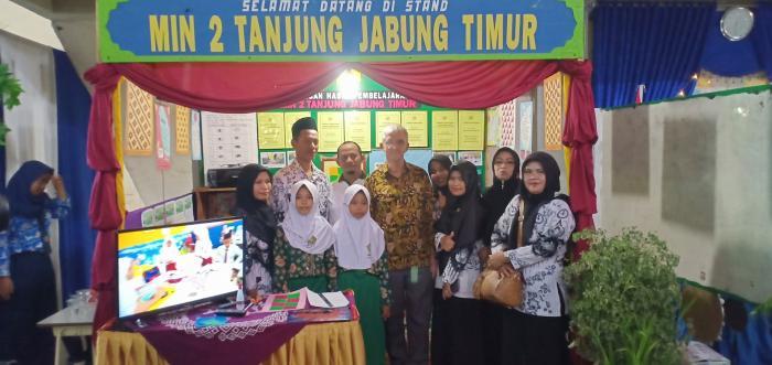 MIN 2 Tanjab Timur Ikuti Showcase (Unjuk Karya) Praktik Baik Program Pintar Tanoto Foundation di GOS Tanjab Timur