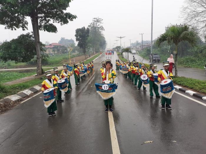 Drum Band MIN 2 Tanjab Timur Ikuti Lomba, Sambut HUT Tanjab Timur ke 20